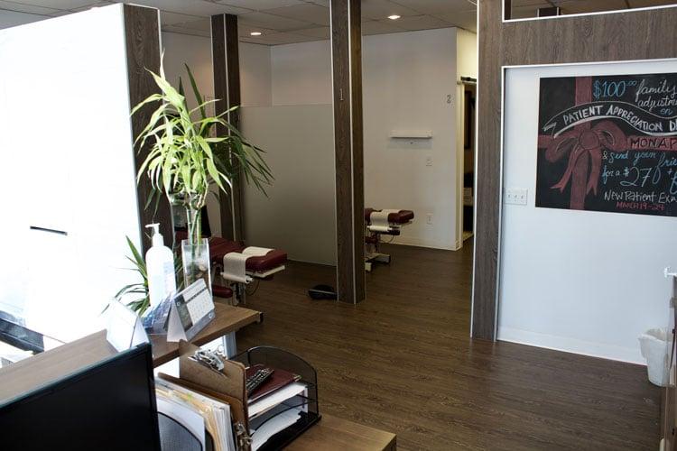Chiropractic Calgary AB Desk